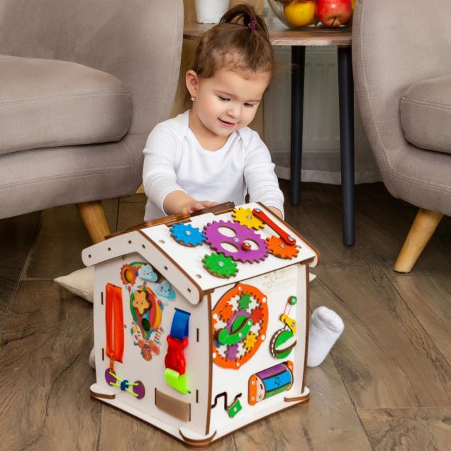 Бизиборд домик Знайка Семицвет Малыш со светом
