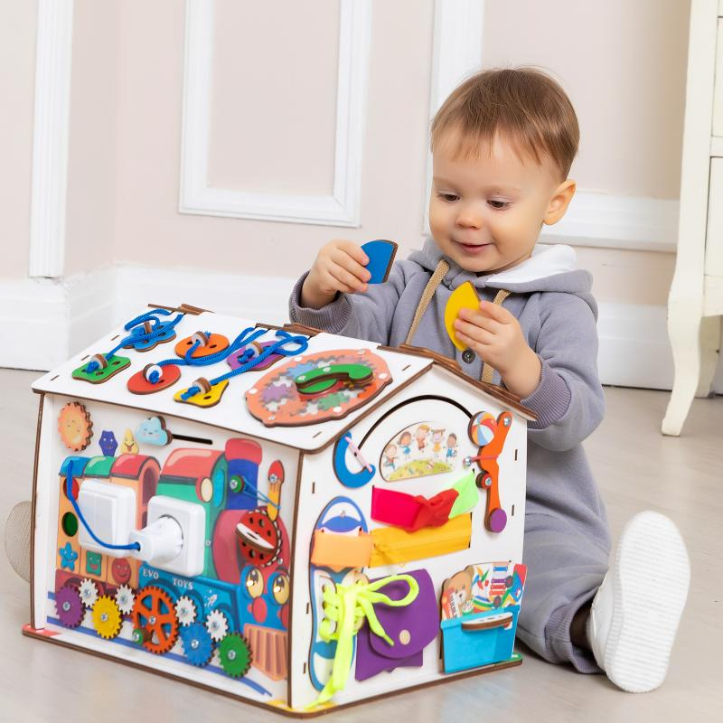 Бизиборд домик Знайка Смайлики на паровозике со светом фото
