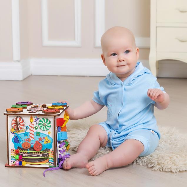 Бизиборд кубик Смайлики на дне рождения
