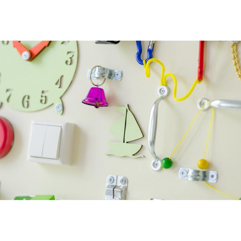 Бизиборд Люкс с магнитно-меловой доской Крем-Брюле 50х60 см фото