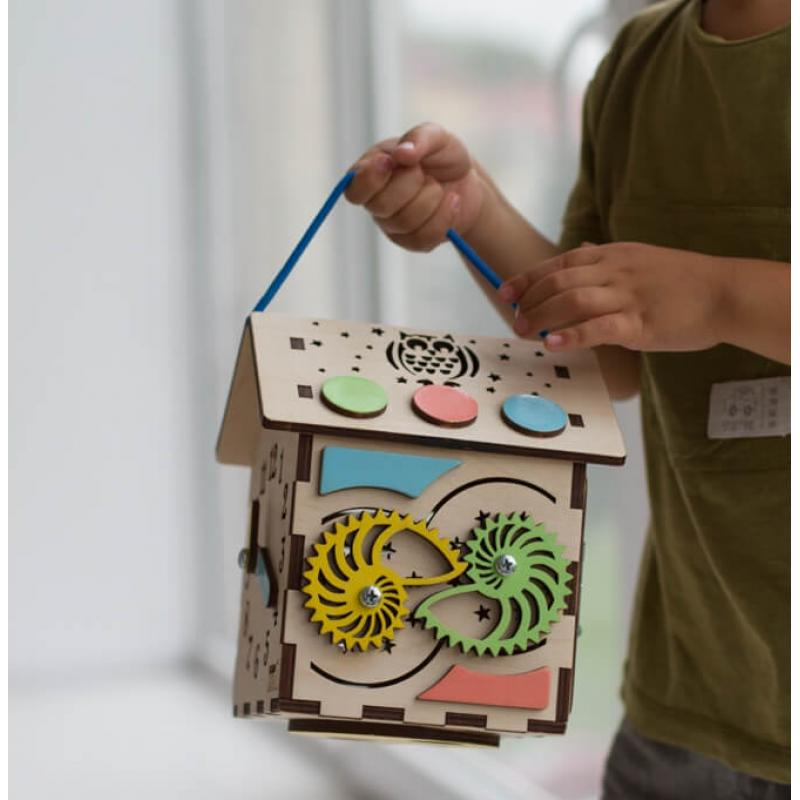 Бизиборд домик с подсветкой 13 х 18 см фото