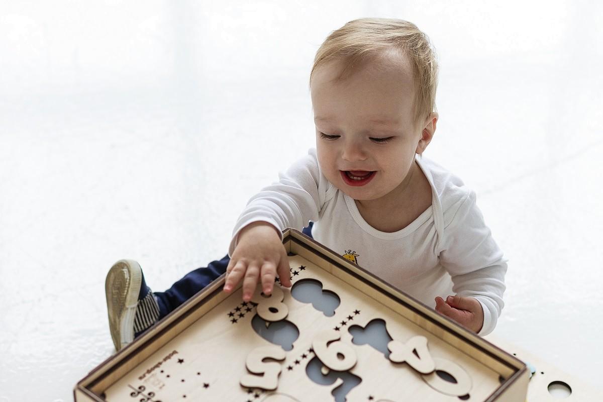 Как бизиборд влияет на развитие ребенка?